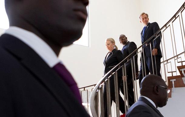 Белый дом: Обама не задумывался о замене Байдена Клинтон