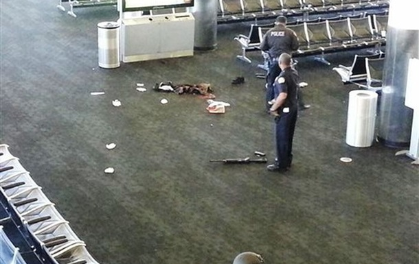 В аэропорту Лос-Анджелеса из-за стрельбы отменили 746 рейсов
