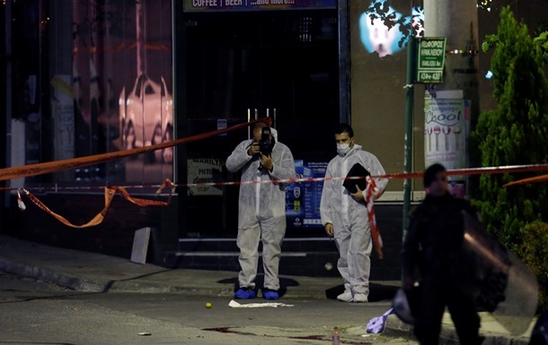Камеры наблюдения засняли убийство возле офиса неонацистской партии в Афинах