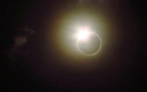 Сегодня произойдет уникальное солнечное затмение
