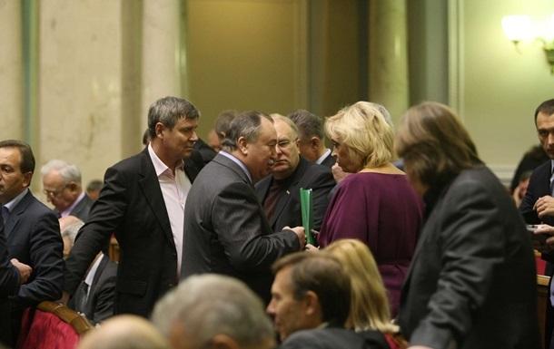 Завтра Рада рассмотрит три законопроекта о лечении осужденных за границей