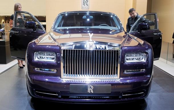 Украшенный 446 бриллиантами Rolls-Royce Phantom представили в Дубае