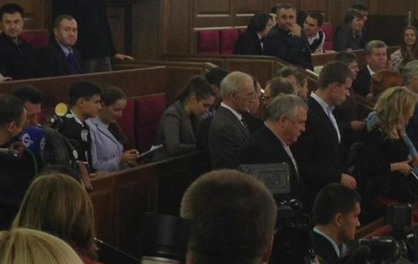 Вечернее заседание парламента до сих пор не началось, в Раду пришла дочь Тимошенко