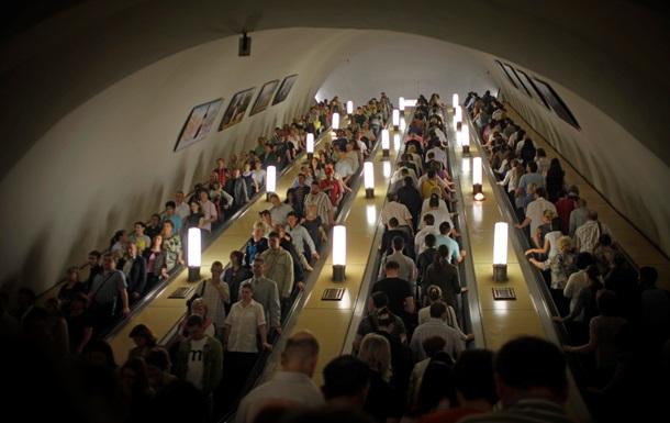 Новости метро. В Москве можно будет оплатить проезд 30-ю приседаниями, а в Минске запретят ходить по эскалаторам