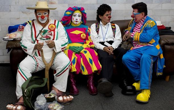 В Мексике преступники в костюмах Дня мертвых ограбили ювелирный магазин