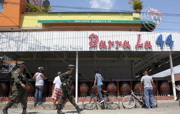 В колумбийском баре застрелены восемь человек
