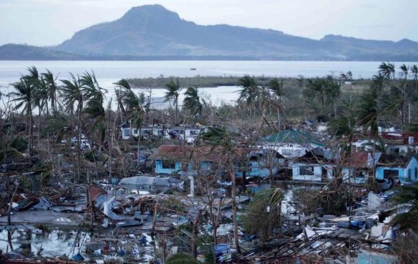 Количество жертв тайфуна на Филиппинах возросло до 10 тысяч человек