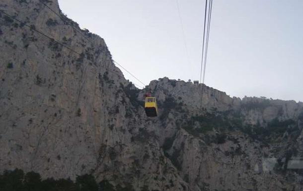 Житель Ялты выжил, упав с горы возле Ай-Петри