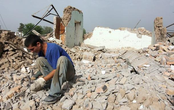 В Таджикистане землетрясение разрушило сотни домов