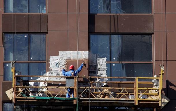 В Черкассах с 7-го этажа оборвалась строительная люлька, госпитализирован один рабочий