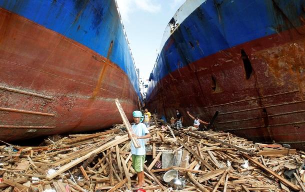 США и Британия направили к берегам Филиппин военные корабли