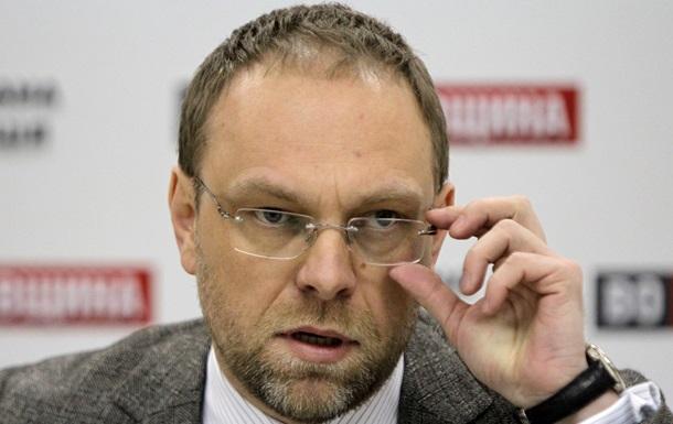 Власенко дал интервью после допроса в Генпрокуратуре