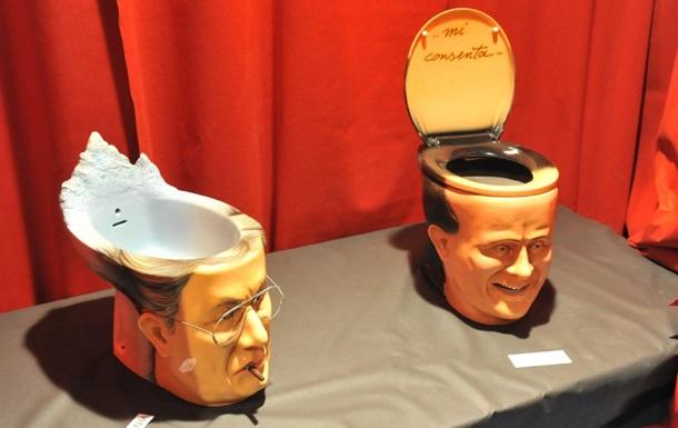 Итальянский художник сделал унитаз в виде головы Берлускони