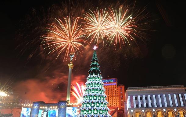Новости Киева - елка - установка - Новый год - В Киеве начали устанавливать новогоднюю елку