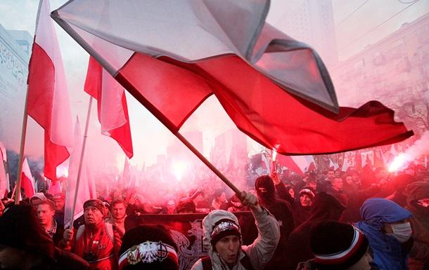 Москва требует от Варшавы извинений в связи с инцидентом у посольства России