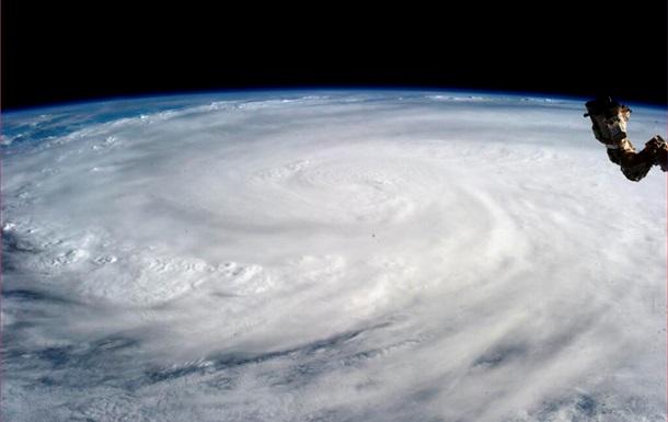 Хайян стал самым разрушительным тайфуном за последние 100 лет. К Филиппинам приближается новая тропическая депрессия