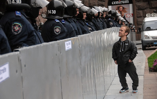 У здания Киевсовета усилены меры безопасности