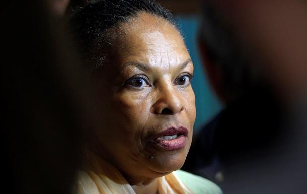 Во Франции журнал, сравнивший чернокожего министра с обезьяной, проверит прокуратура