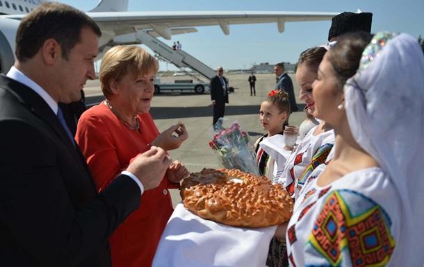 Атаковавший кортеж Меркель и Филата молдованин проведет в тюрьме 13 лет