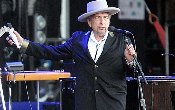 Боб Дилан получил орден Почетного Легиона