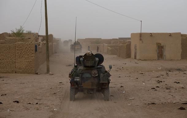 В пустыне на севере Мали французы проводят военную операцию против Аль-Каиды
