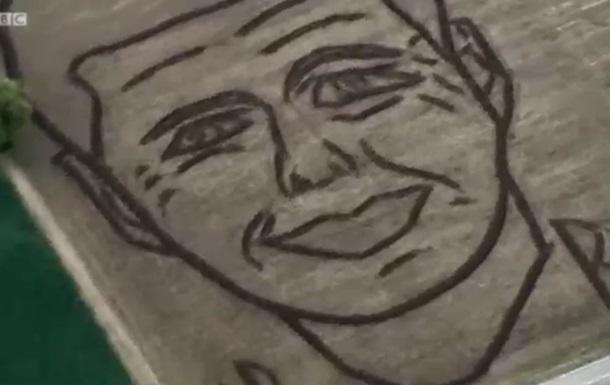Фермер в Италии трактором выпахал портрет Кеннеди