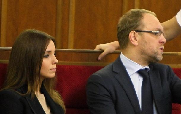Власенко - Тимошенко - дочь - отрицание - болезнь - Власенко и дочь Тимошенко отрицают заявления ГПтС о болезни экс-премьера