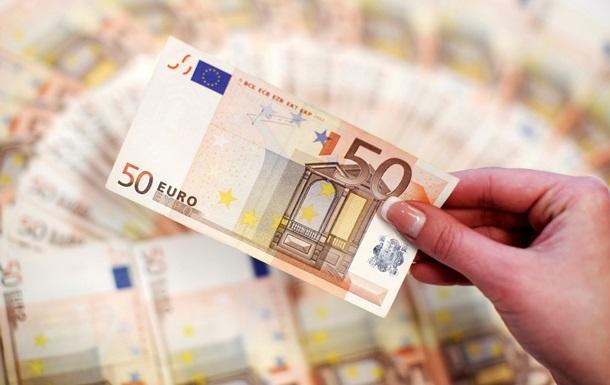 В Латвии запретили русскоязычную рекламу евро