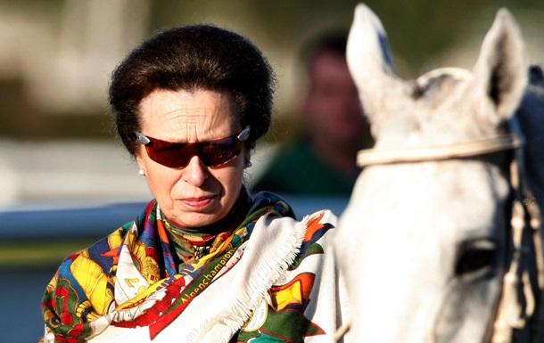 Принцесса Анна: Употребление конины пойдет на пользу лошадям