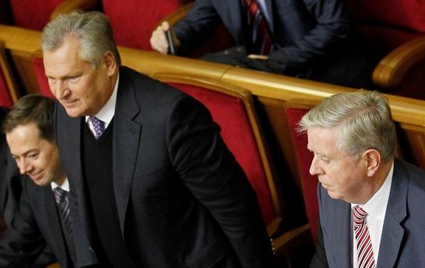 В представительстве ЕС пока не знают, будет ли перенесен визит Кокса-Квасьневского из-за изменений в заседаниях ВР