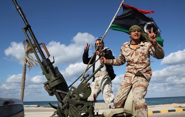 Ливийская армия начала штурм базы вооруженных повстанцев в Триполи