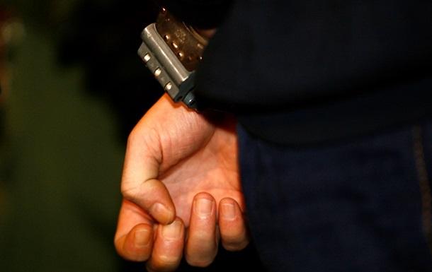 В Севастополе арестованы два милиционера по подозрению в получении 15 тыс грн взятки