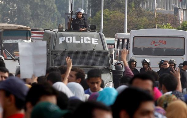 Египет - Каир - протест - демонстрация - полиция - разгон - Тахрир - Полиция разогнала протестующих на площади Тахрир в Каире
