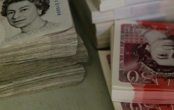В Британии из реки выловили банкноты на $100,000