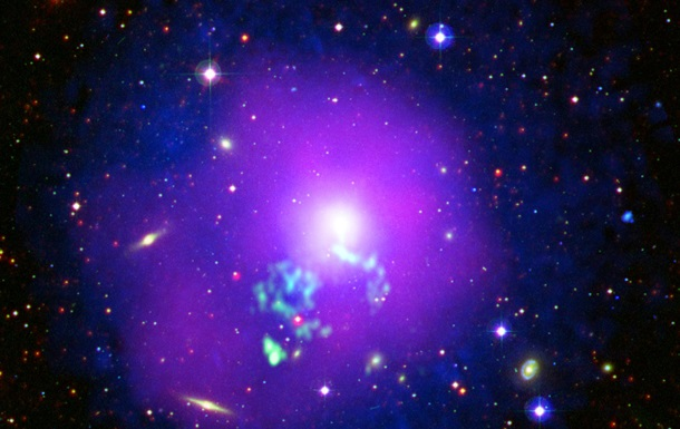 Телескоп сфотографировал горячее галактическое скопление в созвездии Девы