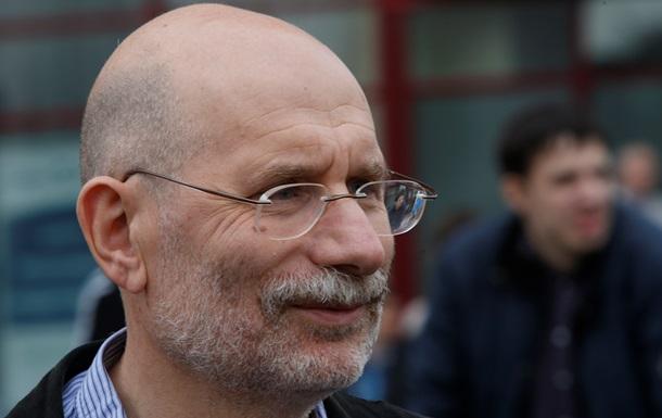 Акунин отказался приходить на литературное собрание из-за Путина