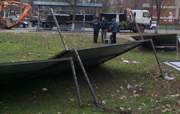 В Киеве на Борщаговке произошла драка между застройщиками и местными жителями, умер пенсионер