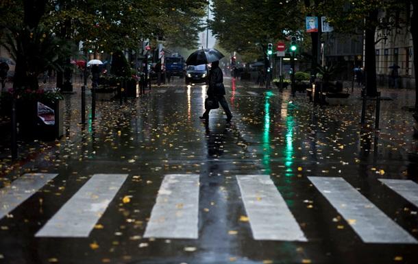Наиболее опасные пешеходные переходы в Киеве оборудуют знаками с новейшим световозвратным покрытием