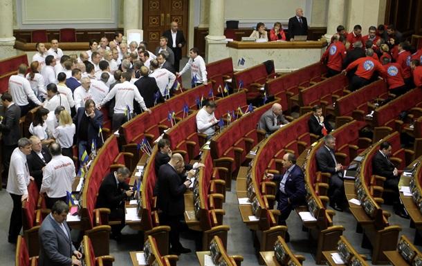 Тимошенко призвала оппозицию проголосовать за любой вариант закона по лечению осужденных