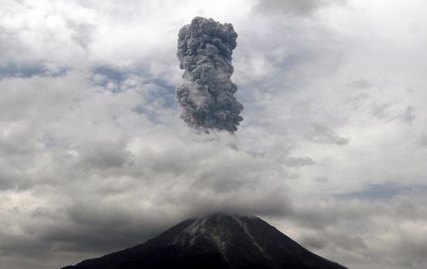 Извержение. Вулкан в Индонезии