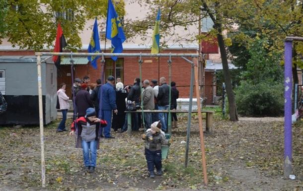 Полтавська влада віддає землі під забудову без дозволу громади