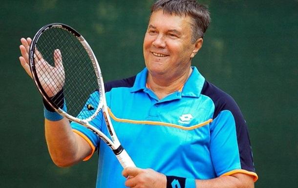 Научиться держать УДАР. Зачем Януковичу большой теннис?