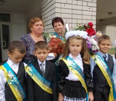 Праздник первого звонка в Новопокровке.