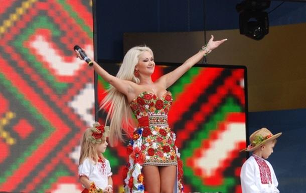 Екатерина Бужинская презентовала песню и объявила конкурс!