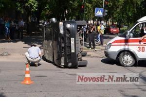 В Николаеве перевернулась машина с подозреваемыми по  Врадиевскому делу