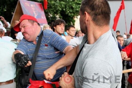 Одесса встретила националистов кулаками.