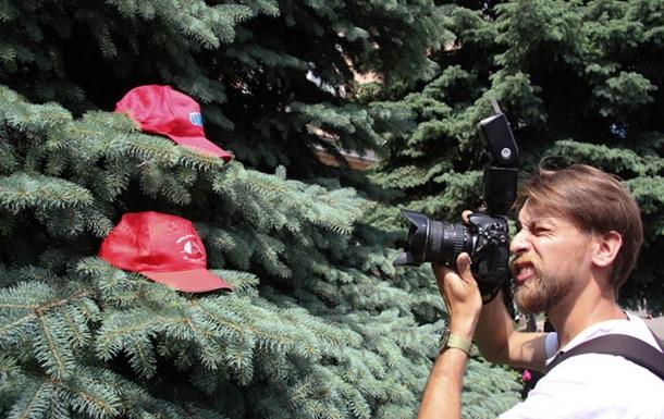 В подарок милиции - красные шапочки (ВИДЕО)