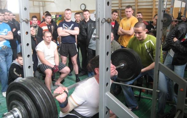 У Вінниці генерал В.Русин закриває спортивний клуб «Максимус»