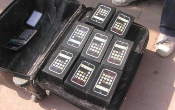 Как китайские мошенники делают настоящие iPhone