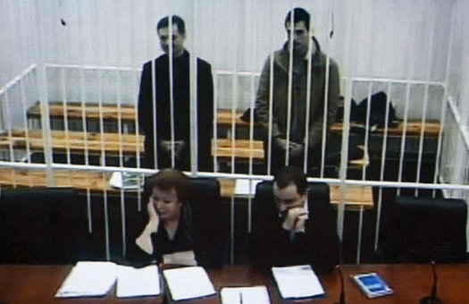 Чому Яценюк, Турчинов та Кличко не захищають Павліченків?